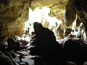 objek wisata alam Gua Nganten
