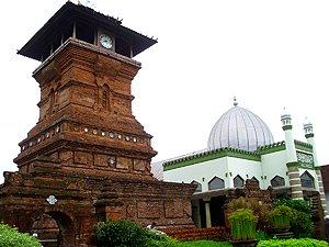 wisata di Menara Kudus