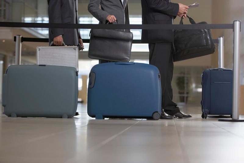 trik hindari biaya bagasi pesawat