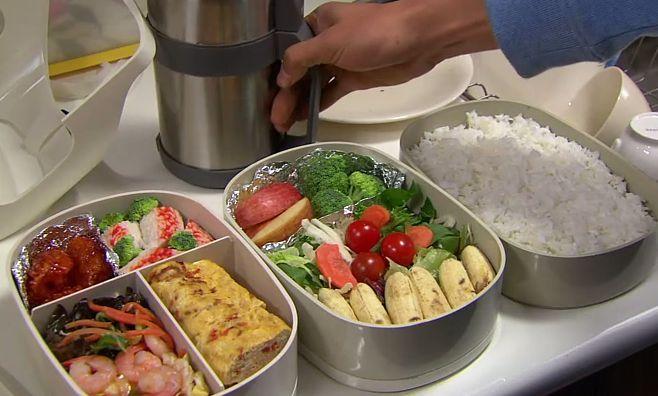 Bekal makanan praktis saat Rental Mobil Semarang