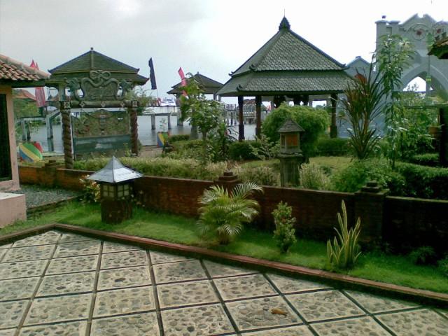 Taman Wisata Puri Maerokoco